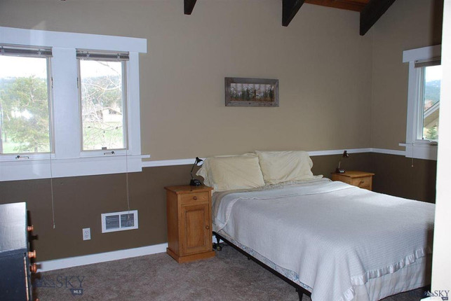 2225 Black Otter Silverbow27 Road  Big Sky Photo 15