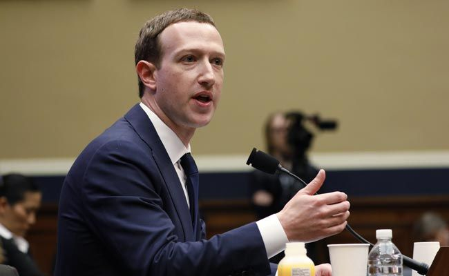 'Yes Or No?': US Lawmakers Fume Over Big Tech's Answers On Misinformaion