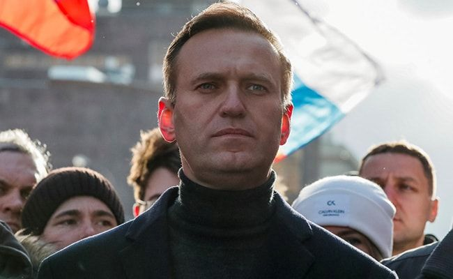 Kremlin Critic Alexei Navalny 'Free' To Return, Says Russia