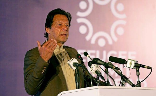 Imran Khan Slams Nawaz Sharif For Accusing Army Chief Of Rigging Polls