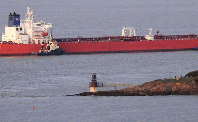 British Army Boards Threatened Oil Tanker In English Channel, 7 Detained