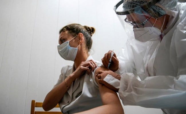 Russia Approves Second Covid Vaccine After Preliminary Trials