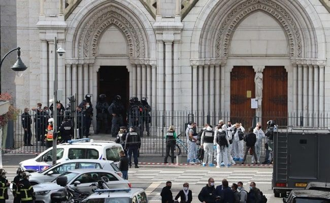 Woman Beheaded As 3 Killed At France Church, Mayor Says Terror Attack