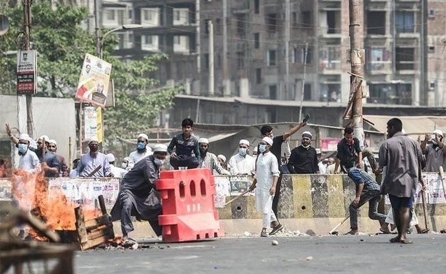 Bangladesh Arrests Islamist Hardliners Over Protests Against PM Modi