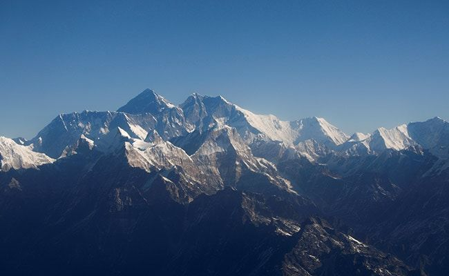 United States And Hong Kong Climbers Set New Records On Mount Everest