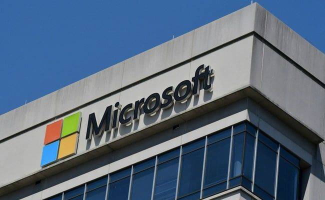 Microsoft Requires Workers To Be Vaccinated, As Office Returns Slow