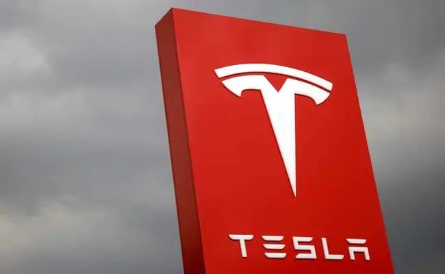 US Safety Agency Opens Probe Of Tesla Fatal Crash In California