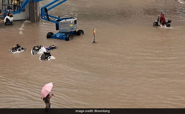 China's 'iPhone City' Relocates 1,00,000 After Floods Leave 12 Dead