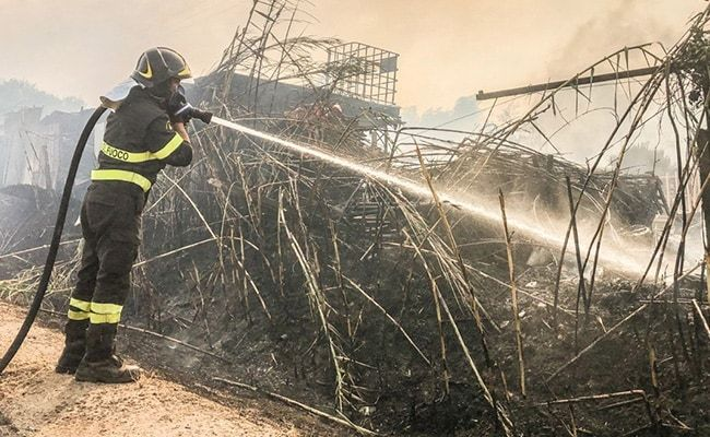 Italy Firefighters Battle 500 Blazes After Record Heat
