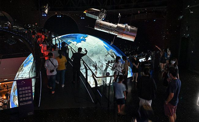 China's Space Propaganda Blitz Endures At Slick New Shanghai Planetarium