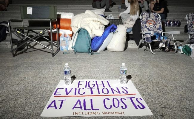 US Authorities Scramble To Unlock Aid As Millions Face Eviction