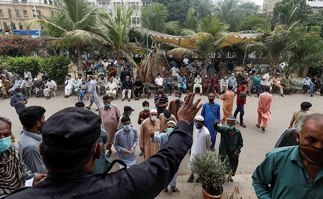 Cellphone Blocks, Work Bans: Pakistan Announces Penalties For Unvaccinated