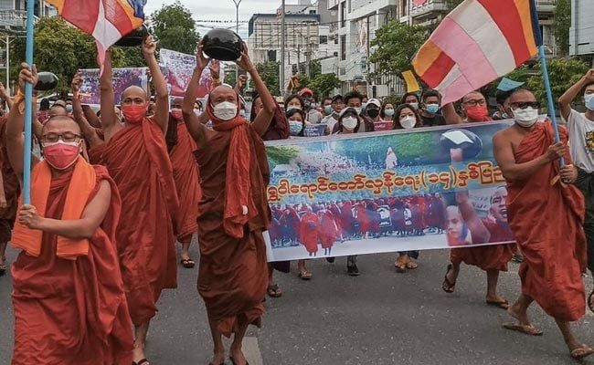 In Myanmar, Pro-Democracy Monks March Against Military Junta