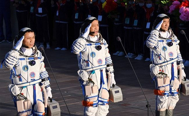 Chinese Astronauts Return After Country's Longest 90-Day Space Mission