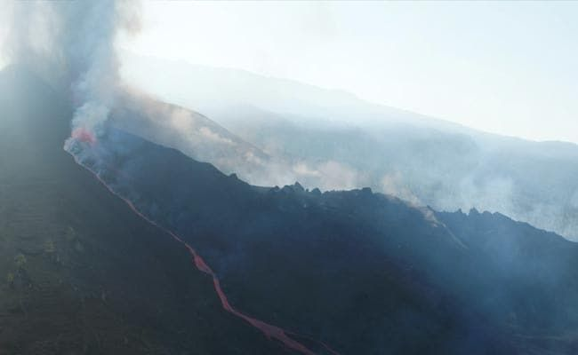 Volcano Roars Back To Life As Lava Nears The Sea In Spain