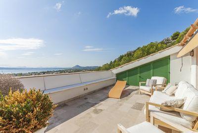 Puerto Pollensa  Elegante Maisonette Wohnung mit Panoramaaussichten in exklusiver Lage