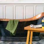 Qvesarum Badrum i klassiska badrumsmöbler passande i badrum i gammal stil i både nya och gamla hus