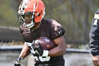 Cleveland Browns sign 6th round draft pick, RB Demetric Felton