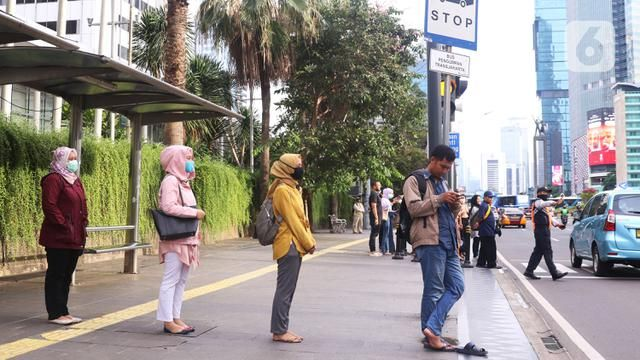 Implementation of Social Distancing in Jakarta