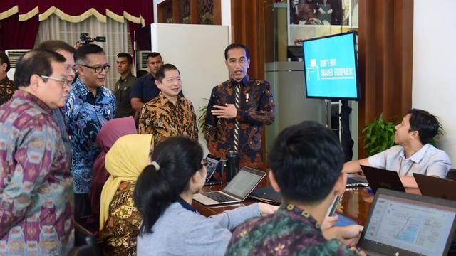 President Jokowi reviewed the integrated digital work (IDW) at the PPN / Bappenas Ministry Office