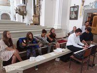 Hangszer vásárlásra kapott támogatást a Szent Miklós Római Katolikus Plebánia
