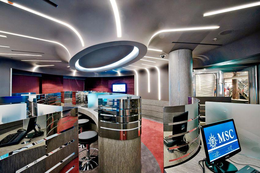 MSC Fantasia Class internet cafe.jpg