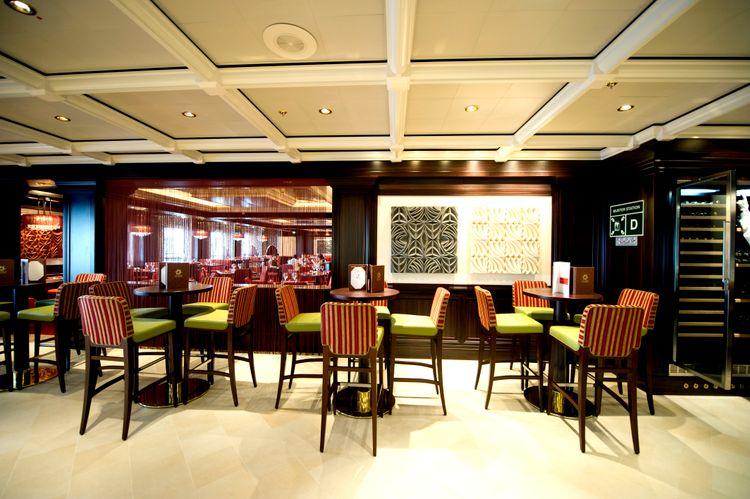 P&O Cruises Azura Interior Sindhu 3.jpg