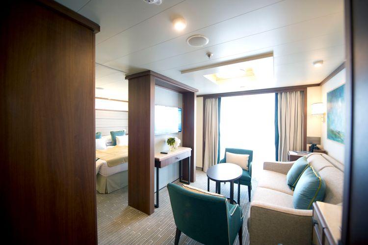 P&O Cruises Britannia Accommodation Suite Ds39265.jpg