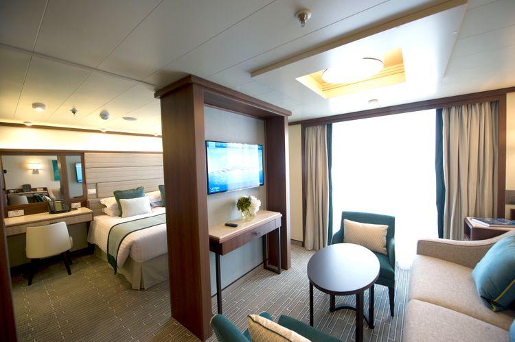 P&O Cruises Britannia Accommodation Suite Ds39269.jpg