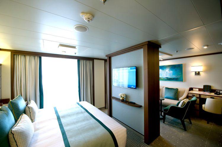 P&O Cruises Britannia Accommodation Suite Ds39319.jpg