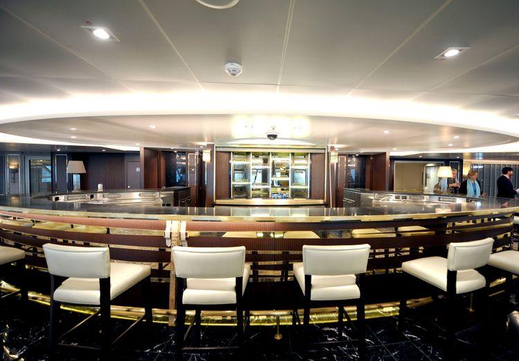 P&O Cruises Britannia Interior Limelight.jpg