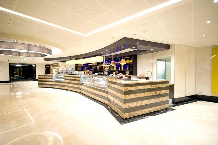P&O Cruises Britannia Interior Market Cafe Ds38899.jpg