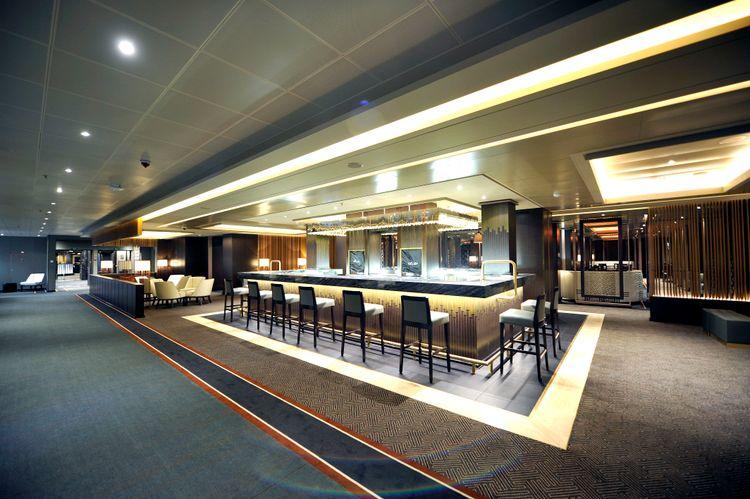 P&O Cruises Britannia Interior Sindhu Entrance.jpg