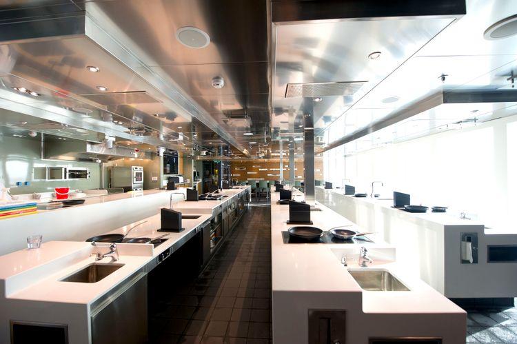 P&O Cruises Britannia Interior Cookery Club Ds38661 [Tif 14714593002].jpg