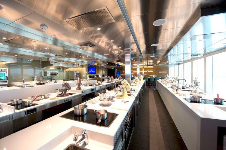 P&O Cruises Britannia Interior Cookery Club Ds39530.jpg