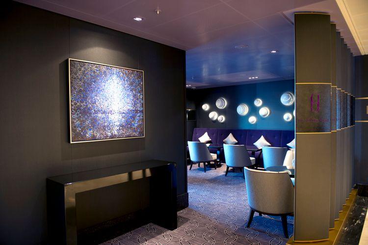 P&O Cruises Britannia Interior Blue Bar Mod Ds37042 [Tif 14714584402].jpg