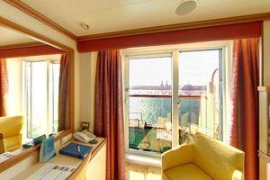 P&O Cruises Ventura Accommodation Balcony Cabin.jpg
