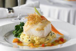 Royal Caribbean Independance of the seas Interior new main dining.jpg