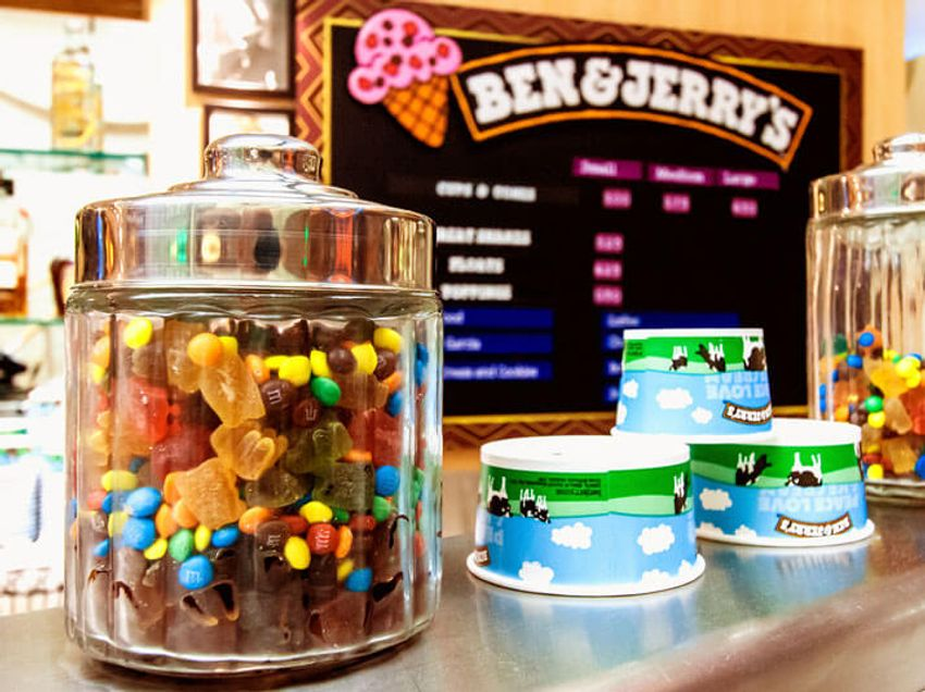 Royal Caribbean Independance of the seas Interior new ben and jerrys.jpg
