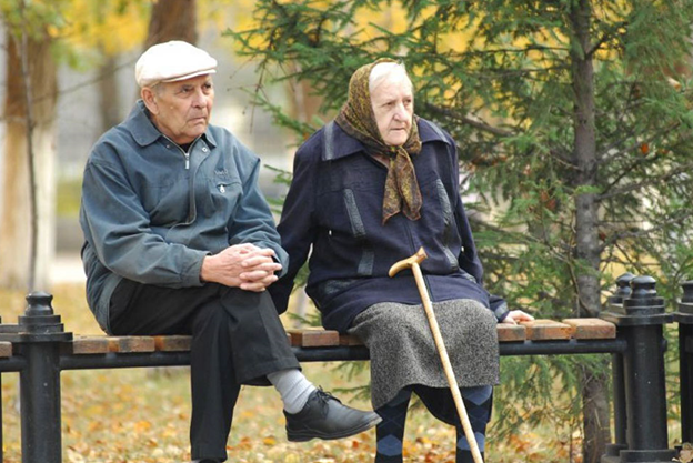За даними Мінсоцу, зараз в Україні на 13 млн працездатного населення припадає 1,1 млн пенсіонерів (Фото: pershij.com.ua)