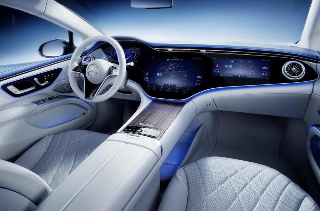 Салон Mercedes EQS