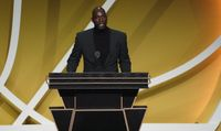 Kevin Garnett excludes Ray Allen and Rajon Rondo while thanking Celtics players during HOF speech