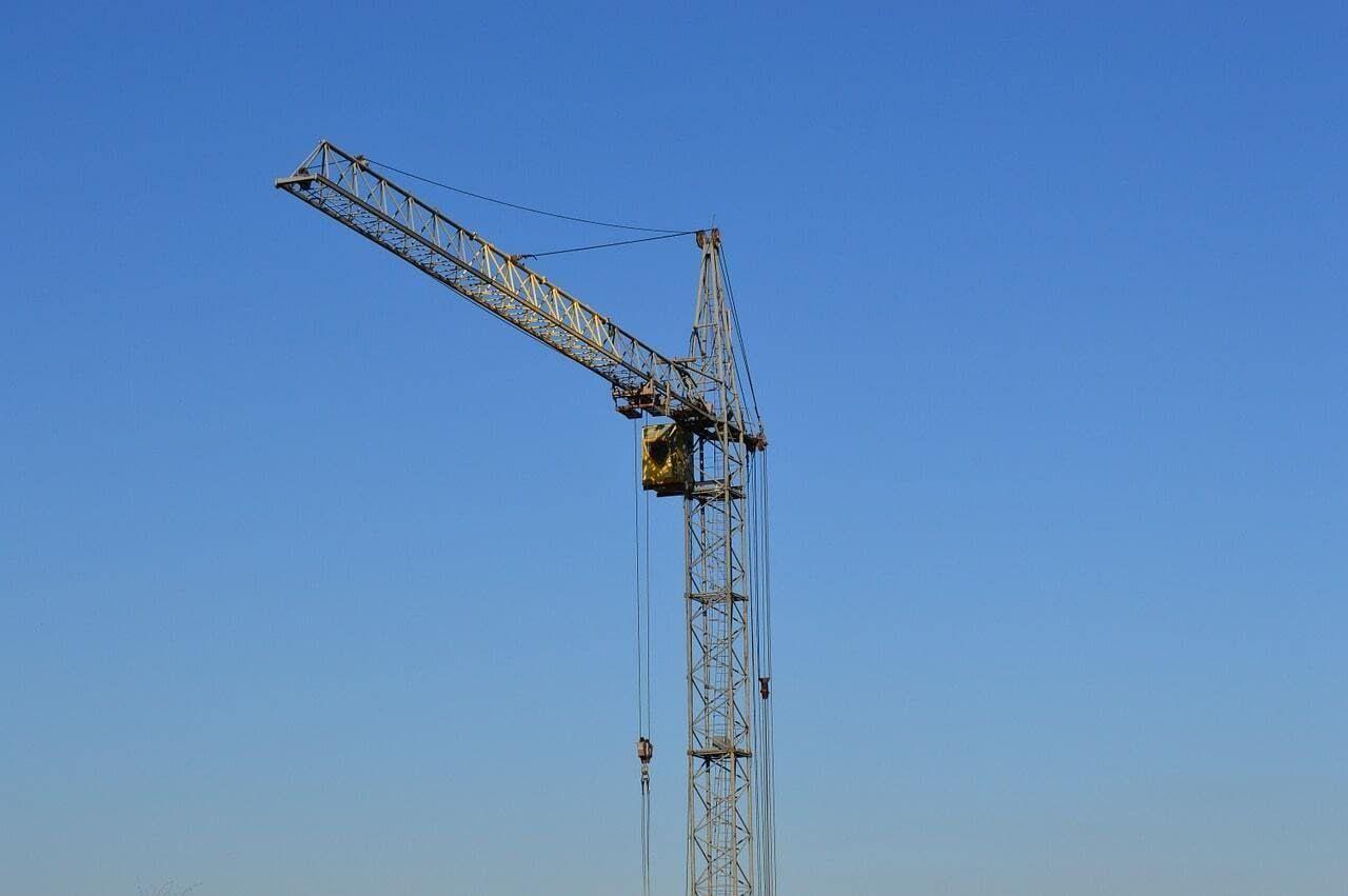 Строительство вблизи аэродрома откладывается