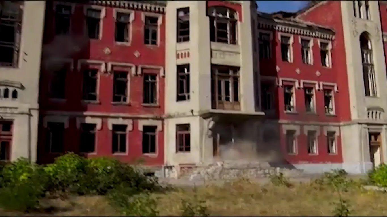 """Будівля, де сховалася """"група диверсантів"""""""