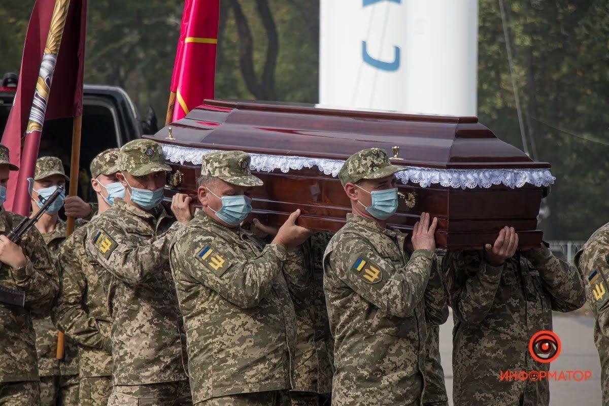 Воина похоронили на Краснопольском кладбище.
