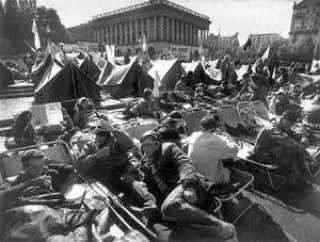 """""""Революцию на граните"""" в 1990 году начали студенты."""