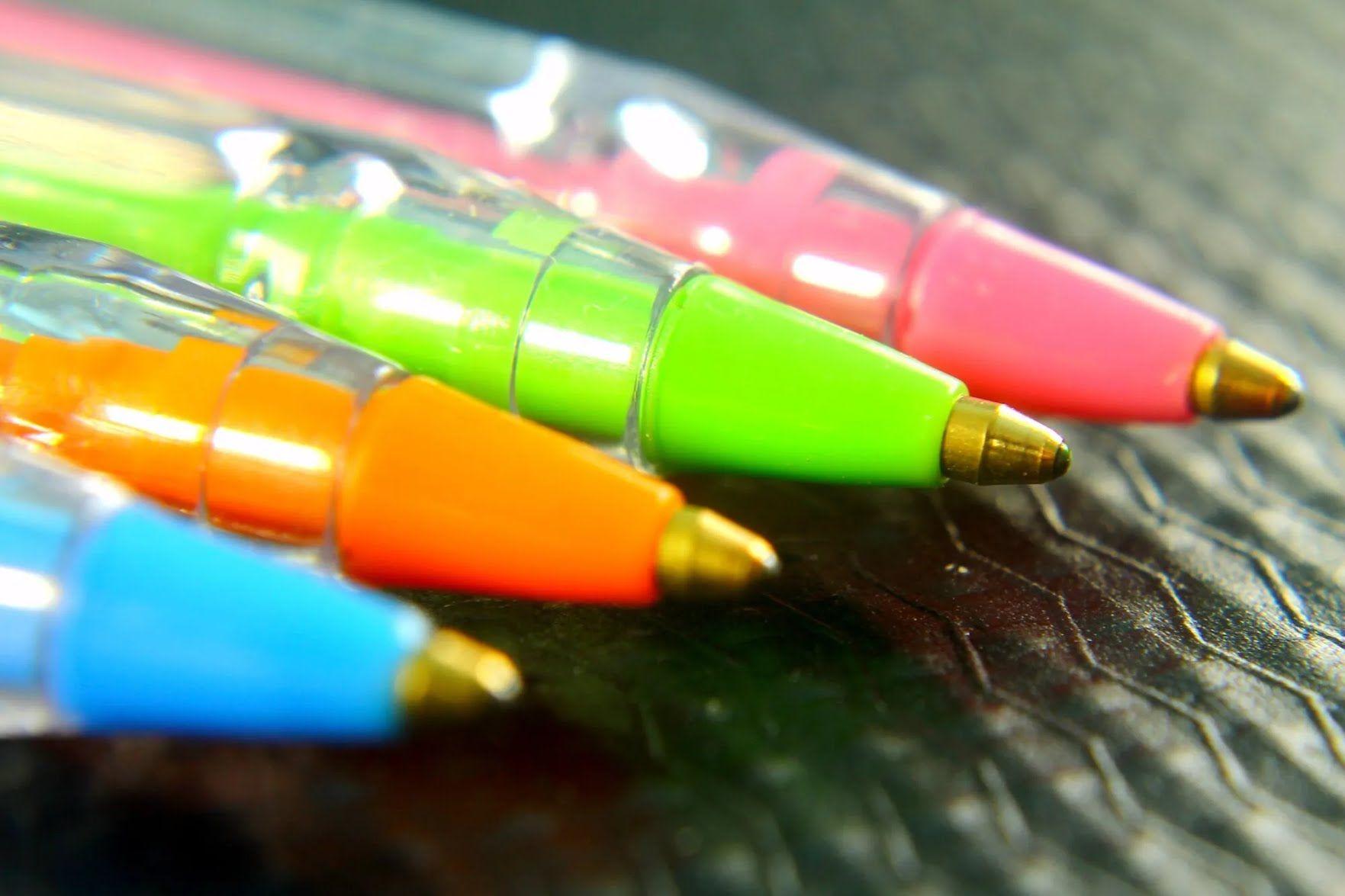 Сучасну кулькову ручку винайшов журналіст з Угорщини Ласло Біро