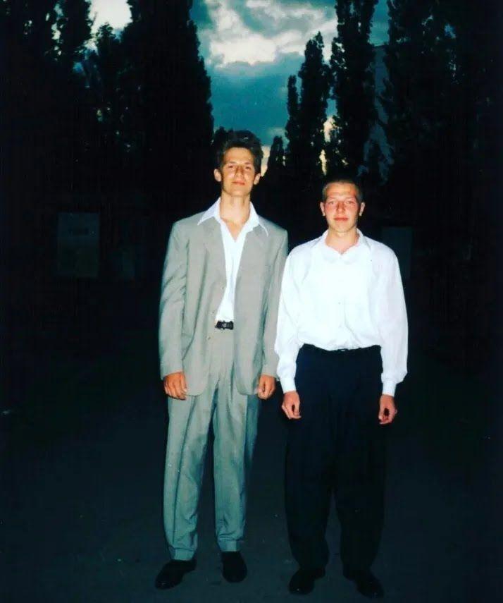 Потап у молодості(ліворуч)