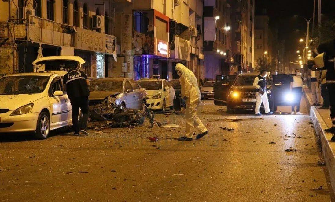 Місце вибух в Іскендеруні.