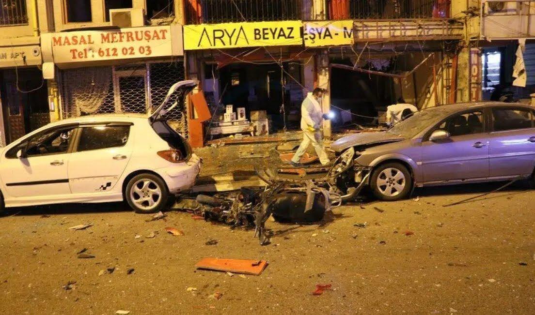 Місце вибуху в Іскендеруні.